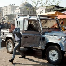 Land Rover Defender. Skyfall © 2012 Danjaq, LLC and United Artists Corporation. All rights reserved.