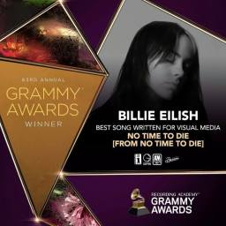 """Billie Eilish z nagrodą Grammy za """"No Time To Die"""""""